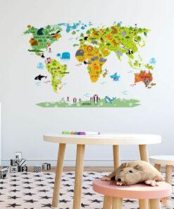 Vinilo infantil mapamundi Naturaleza